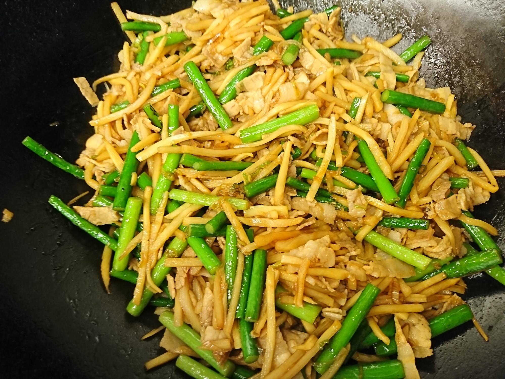 ニンニク芽と豚肉の中華炒め