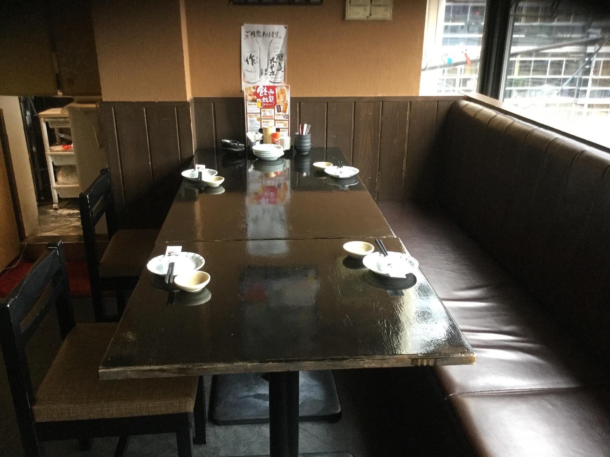 6名テーブルでの広々セット