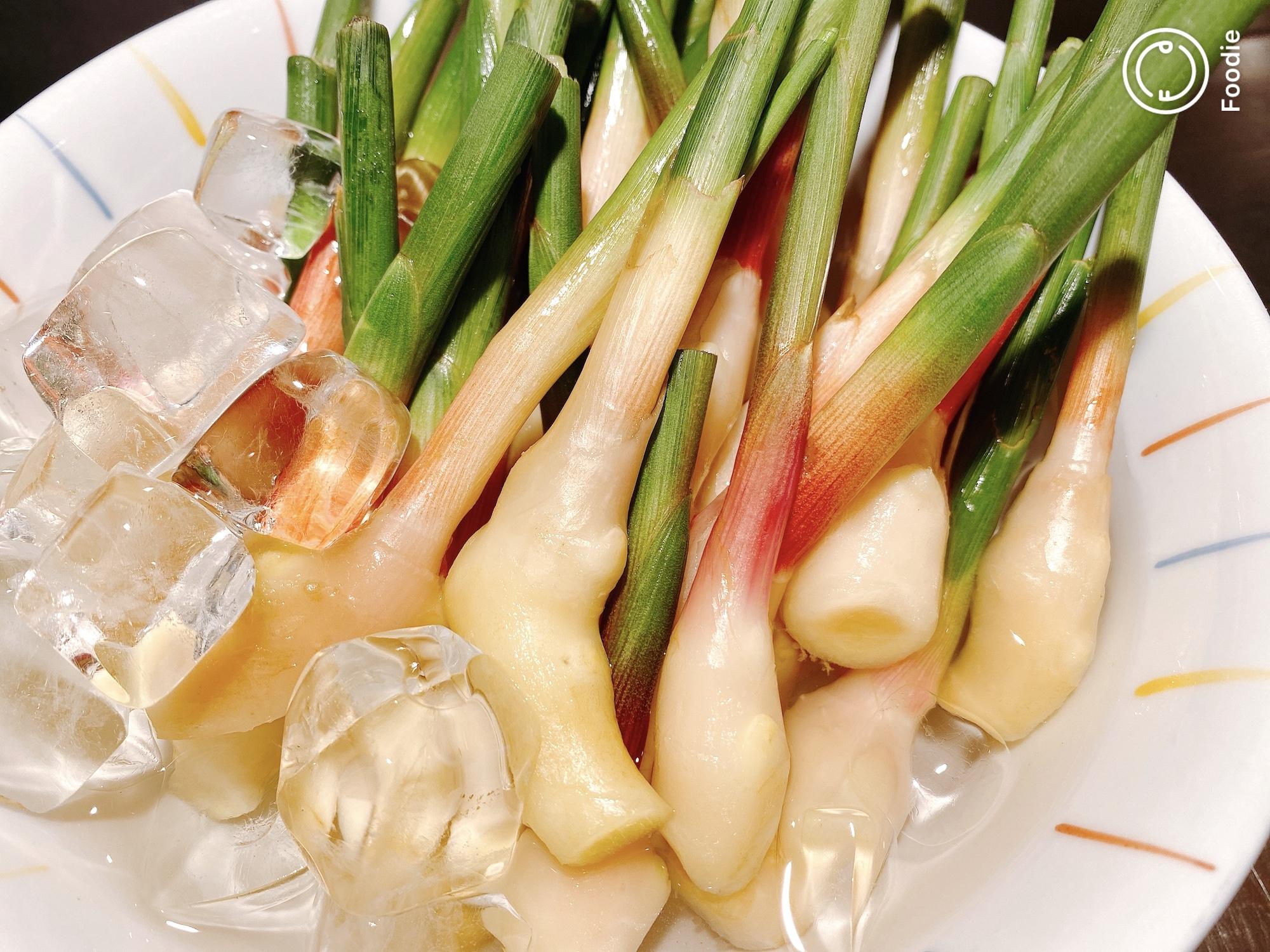 葉生姜の味噌ディップ